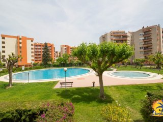Nice apartment 4 pax, with pool near Plaza Europa Salou.
