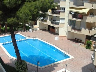 Apartment 5 pax with communal pool and next to the Plaza Europa Salou.