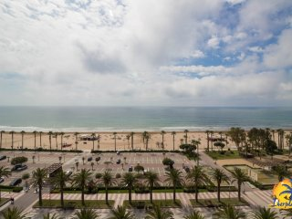 Spacious apartment 4 pax the sea front in Salou Levante Beach.