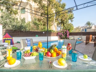 Pernera sea Holiday Villa, Protaras