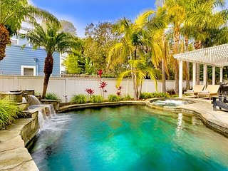 Private Pool, Hot Tub, Fire Pit, Walking Distance to Beach & Del Mar Track!