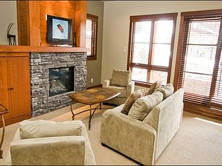 2BR Ultimate Ski In/Out, Lift at Your Doorstep, Casino Area / 215485