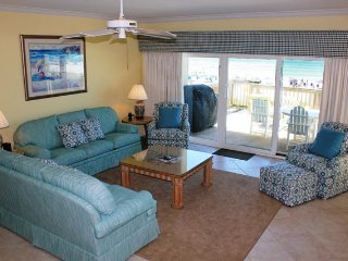 Another View of Lving Room w/ Gulf Views
