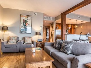 Best Location in Tremblant, Ski In/Out, Steps from Village, Pr. Hot Tub / 215490