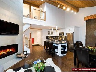 Conveniently Located in the Village  / 214964, Whistler