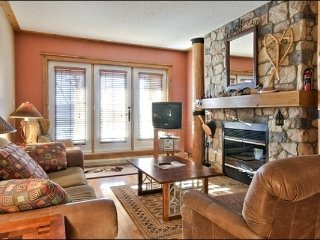 2BR Ski In/Out, 4 season hot tubs, Free Shuttle / 215500