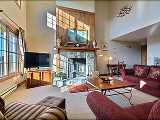 Walk to Village or Hiking Trails / 215523, Mont Tremblant