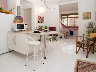 Sunny Apartment- View of Sao Paulo Skyline- PERDIZES