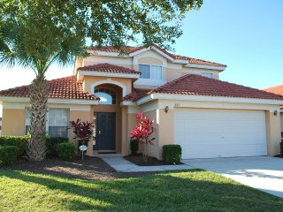Large 5BR/4BA 2-ensuite amenities and club house, Davenport