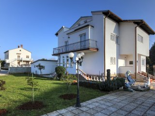 Apartment 11917, Fazana