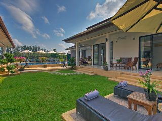 5*Villa , large swim pool , fitness room ,24 beds