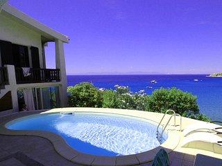 Grande villa con piscina con vista mare, vicinanza spiaggia