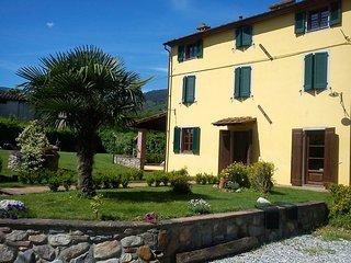 TUSCAN VILLA IN THE LUCCA HILLS, Colle di Compito