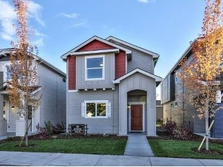 Elegant Modern 3 Bedroom Home Close to Everything, Boise