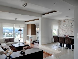 Designer maisonette near beach with gorgeous view, Heraklion