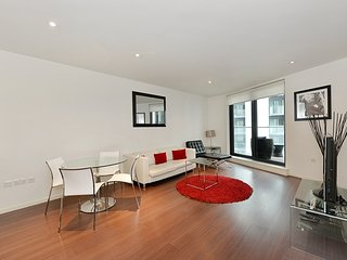 ideal 1 Bedroom in Canary Wharf, London
