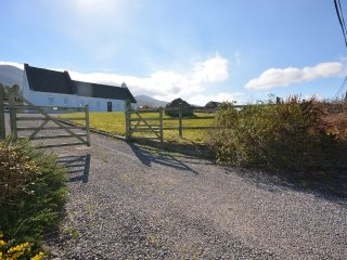 Meadow - Beautiful 4 bedroom cottage!