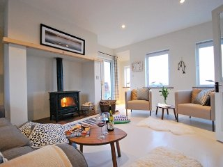 Meadow - Beautiful 4 bedroom cottage!, Dingle