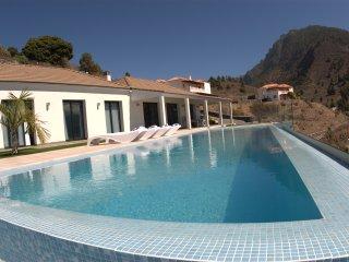 Villa Taburiente, moderna, impresionantes vistas ,naturaleza y  buen clima.