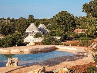 4 bedroom Villa in Specchiaruzzo, Apulia, Italy : ref 5248104