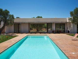 3 bedroom Villa in Specchiolla, Apulia, Italy : ref 5248087