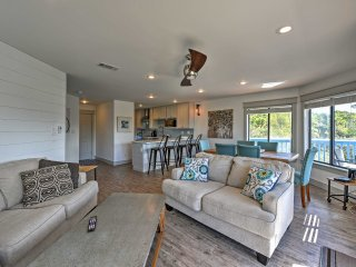 Seagrove Beach Condo w/ Pool, Hot Tub & BBQs!