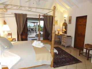 Chambre dans belle villa vue mer aux Terres Basses