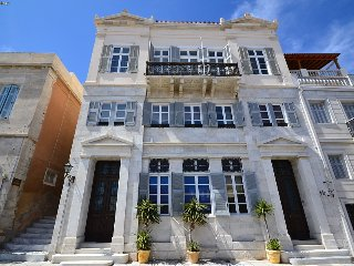 House 30 m.from sea multi terrace parking 4 people
