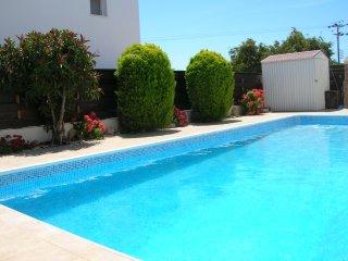 Detached Villa, Private Pool, WIFI, Close to Beach and Restaurants, Sea Views