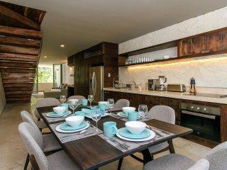Chic & Moderm penthouse 'Pawahtun'* Artia w private pool!
