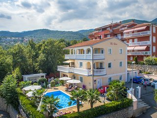 Villa Chiara - Apartments with Pool and  beautiful, Icici