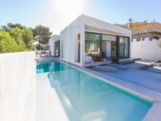 Magnificent holiday villa for 6 people in Son Serra de Marina
