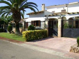 Villa with private pool, only 50 m from the sea, Sa Coma