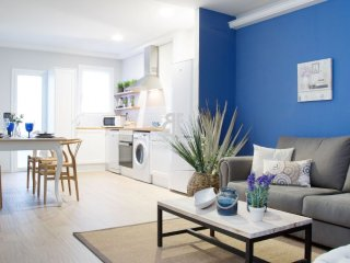 Homes in Blue - Spectacular luxury apartment decorated with a fresh and natural