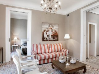 BCN Rambla Catalunya - Elegant, classic and spacious apartment with 2 bedrooms