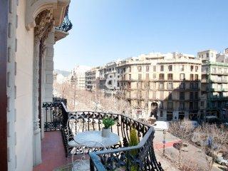 BCN Rambla Catalunya - Fantastic and spacious apartment with 3 bedrooms and 2