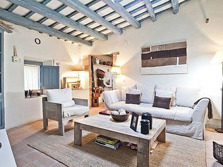 Be Apartment - Beautiful villa from the XVII century with private pool and