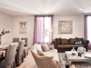 BCN Rambla Catalunya - Splendid, luxurious and spacious apartment with 4