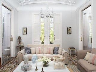 BCN Rambla Catalunya - Elegant, classic, unique and beautiful apartment with 6
