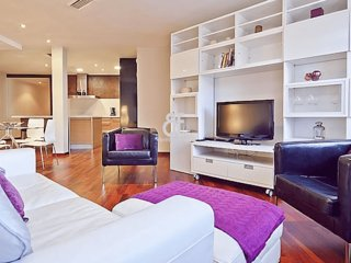 BCN Ciitadella - Beautiful and comfortable apartment with 3 bedrooms located in