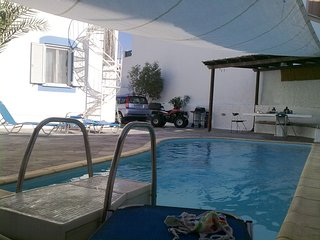 ELIXIR-downtown Naxos retreat/private pool., Naxos Town