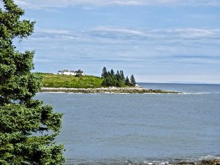Exquisite Maine Summer House on coveted Harts Neck, Tenants Harbor