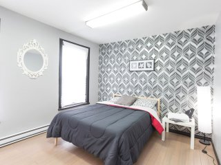 Modern 2 Bedroom Apartment - 1100 sqft Downtown Ottawa