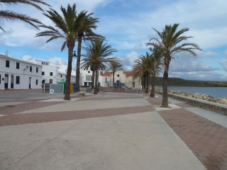 FORNELLS, 1a linea de mar. calle Tramuntana 113, bonito pueblo de pescadores.