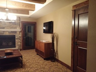Paradise Point-Branson-1 bedroom