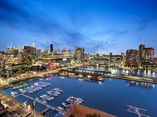 Dockland Kings - Water Views - 2 Bedroom Apartment