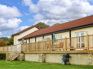 VALLEY VIEW, pet friendly, character holiday cottage, with a garden in Upottery, Honiton, Ref 953894
