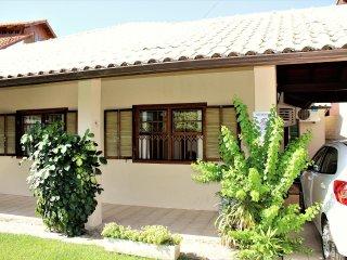 Casa em Florianópolis,200 metros da praia + WI FI