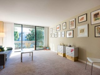 ★Perfect for Groups★QUIET+Safe★SF 20+min★Spacious★JACUZZI★Pool★Beach★Art&DESIGN★, Alameda