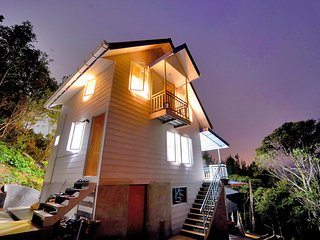 T Paradise - 3 Bed 2 bath Chalet with large private balcony, Kundasang